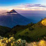 Paysage d'un volcan, sur l'île de Java .