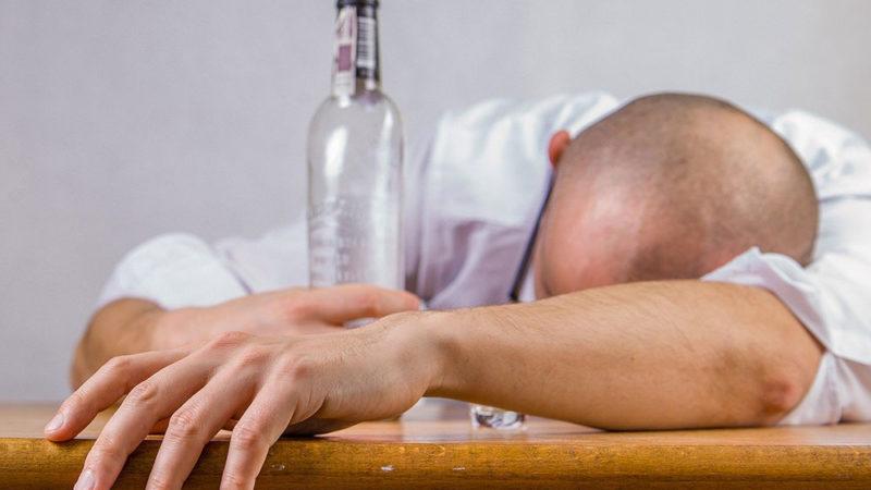 Pourquoi ronfle-t-on sous l'effet de l'alcool?